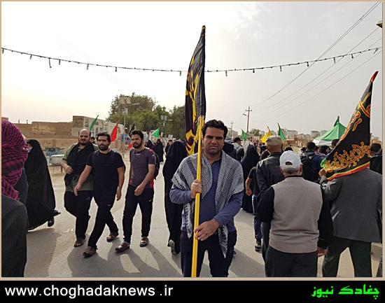 بازدید عضو شورا از موکب های چغادک در مسیر پیاده روی اربعین+تصویر
