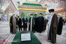 تصاویری از حضور رئیسی در حرم امام